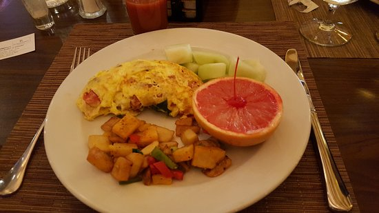 Renaissance Denver Stapleton Hotel: Breakfast buffet