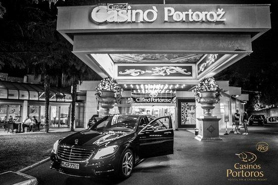 Casino Sedan Folder
