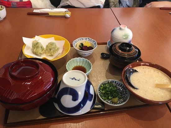 Wasaishokudo Akebono: Their speciality is sticky taro potato with rice or noodle. The food is awesome and I love atmos