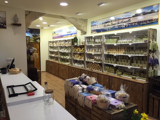 L 39 atelier de la grande savonnerie aix en provence photo for Savonnerie scham salon de provence