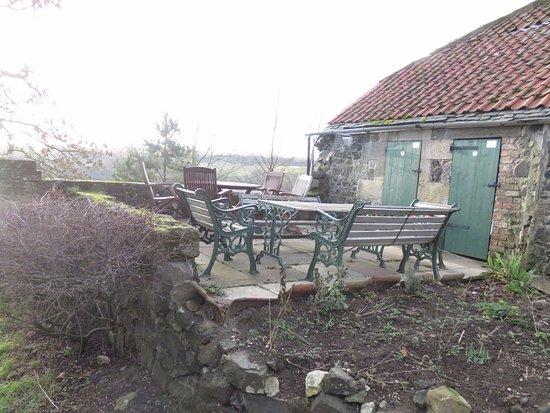 Kinghorn, UK: outdoor seating