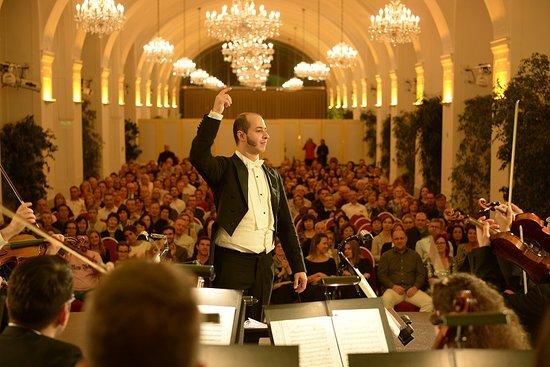 Schoenbrunn Palace Orchestra