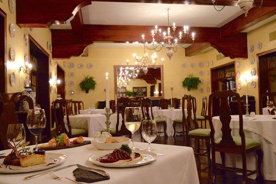Itaipu Restaurant: Salão