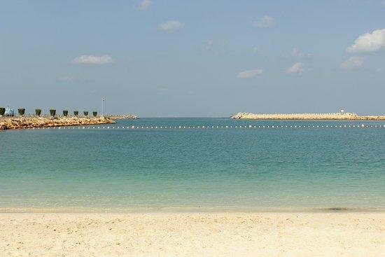 Radisson blu resort sharjah 98 1 3 3 updated 2018 - Radisson blu sharjah swimming pool ...