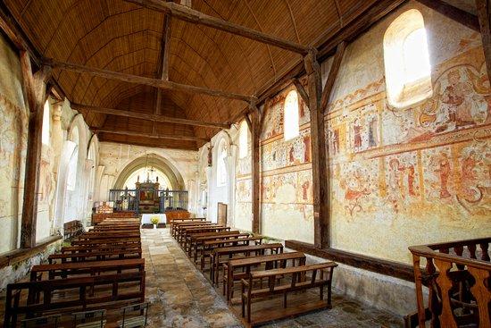 Les Peintures Murales De Léglise Saint Pierre à Moutiers En Puisaye