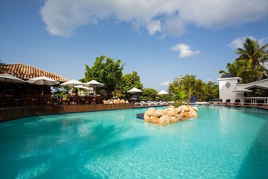 Pool of Sapphire Beach Club Resort