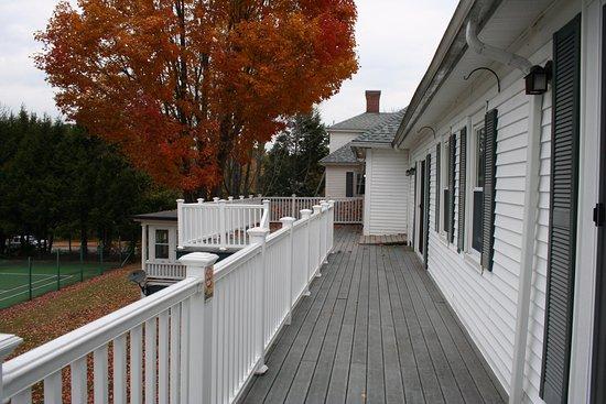 Wolfeboro, NH: Main Inn rear deck