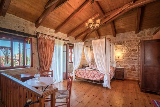 "Ammoudi, Grecia: The master bedroom of ""Melite"" villa"