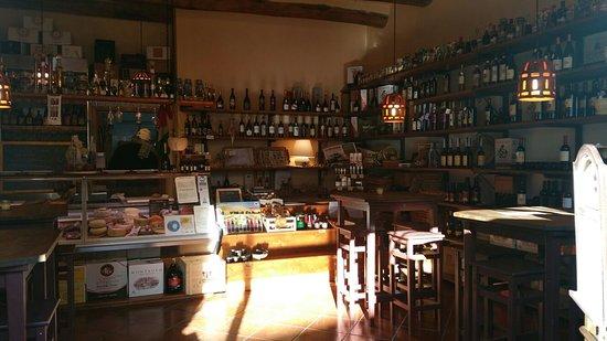 Sovana, Италия: Delizioso, sono stata per l epifania posto molto accogliente ,taglieri di qualita' e abbondanti