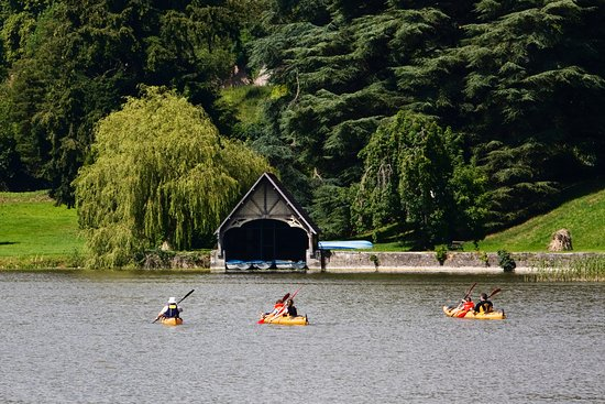 Castle Leslie Estate: Kayaking on Glaslough Lake.