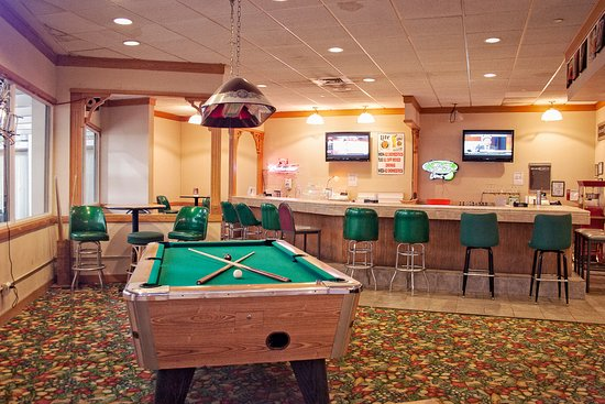 Travelodge Peoria Hotel and Conference Center : Sports Bar