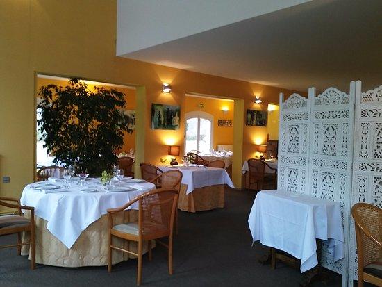Saint-Aubin-De-Medoc, Francja: la salle de restaurant (vue partielle)