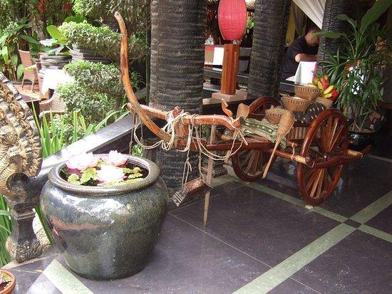 Bopha Angkor Restaurant: deco