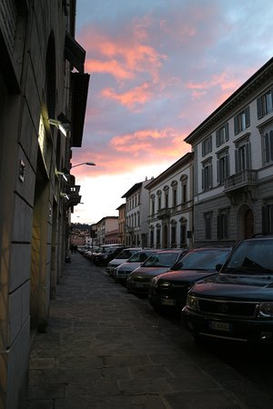 Residenza Manzoni: Улица, на которой находится отель