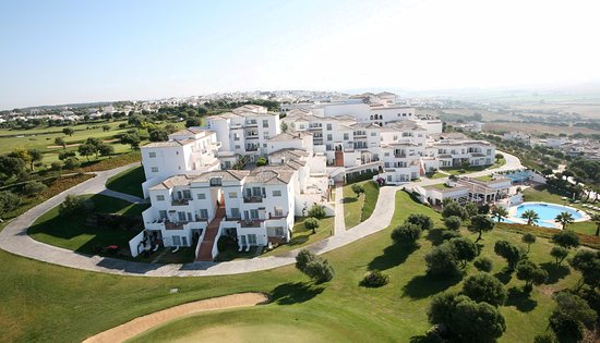 Benalup-Casas Viejas, Spain: GOLF COURSE&RESORT SIDE