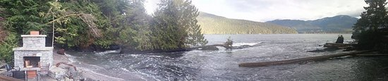 Port Renfrew, Canada : Panorama off the deck