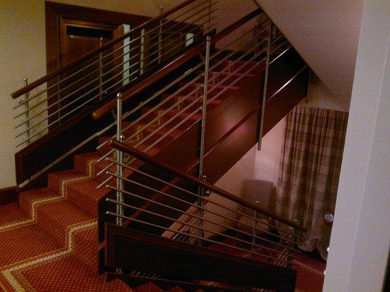 BEST WESTERN PREMIER Hotel Astoria: steps