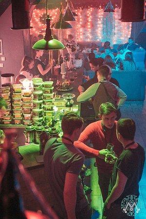 Cafe Myata Lounge: Отличный вечер, чтобы выпить стаканчик, другой любимого напитка и покурить ароматный кальян