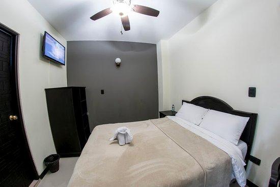 Hotel California: Habitacion sencilla Q115