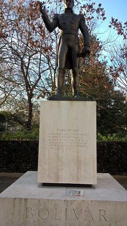 Simone Bolivar Statue