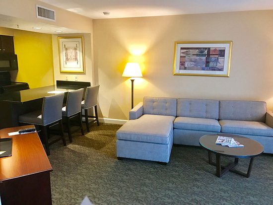 Chase Suite Hotel Brea Image