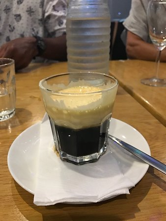 Mermaid Waters, Australië: Egg coffee, coffee and dessert in one...... relish