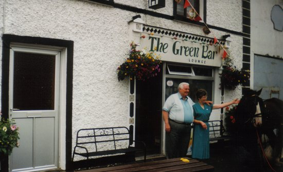 Borrisokane, Irlandia: Eoin's Grandmother Mary & Grandad Chris - 1998