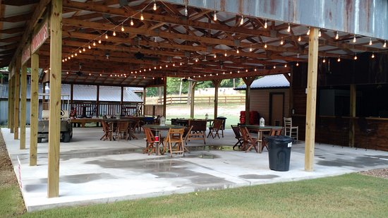 Tahlequah, Οκλαχόμα: Covered waiting area
