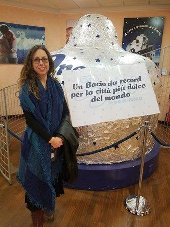 Perugina Chocolate Factory: World record chocolate bacio