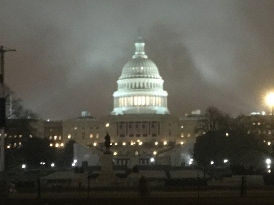 Signature Tours of Washington, D.C. : D.C. At night.