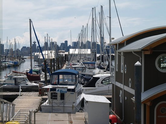 North Vancouver, Canadá: The Creek Marina and Boatyard