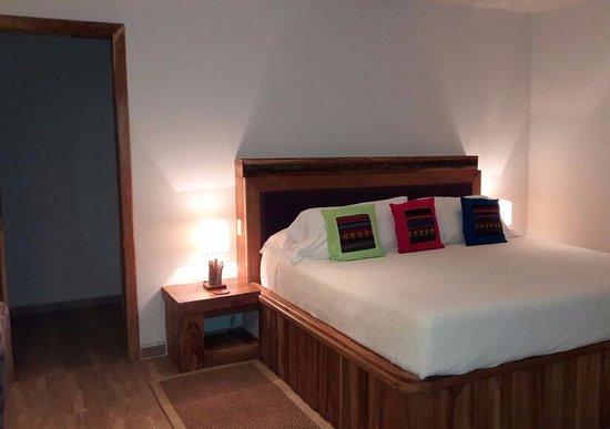 Cerro Azul, Panama : Room is simple but comfortable. Good bed!