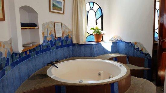 Hotel La Cupula: Whirlpool inside our room
