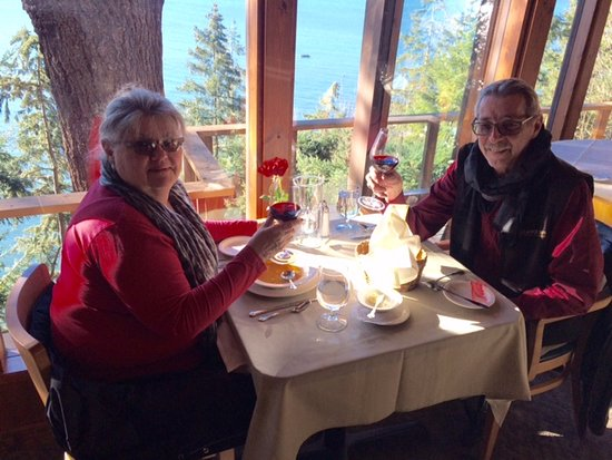Bow, WA: Lobster bisque and wine on a sunny winter afternoon at the Oyster Bar on Chuckanut