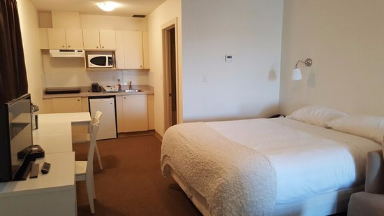 Wainwright, Canada: Queen Kitchenette Room