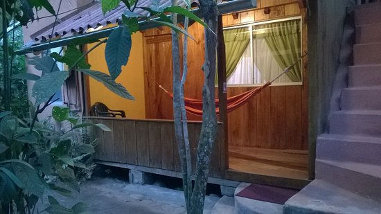 Cabanas Armonia y Jardin de Orquideas: Entrance of Room for family 4 pax