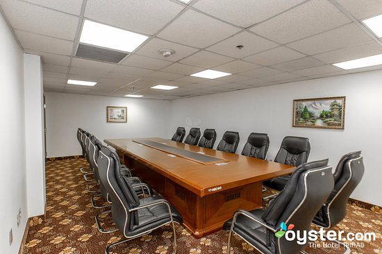 Compton, CA: Meeting Room