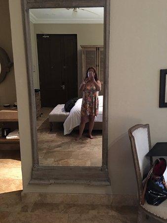 Bastion Luxury Hotel Mirror In Room