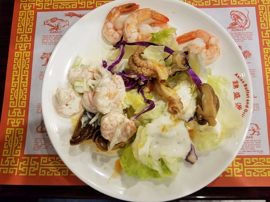 Canton, نيويورك: Salad with Octopus and Shrimp
