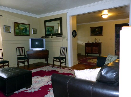 Interlaken, NY: 2nd house - living room/common area