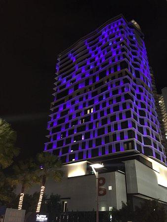 G Hotel Kelawai: the lighting