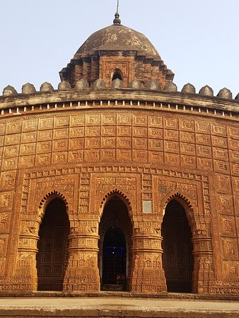 Bishnupur, India: 3 arched doorway