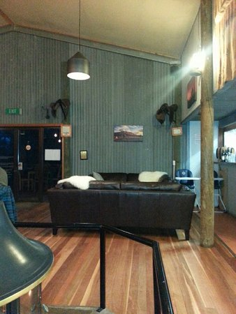 Woolshed Restaurant: An area to relax and exchange experiences in the Flinders Ranges