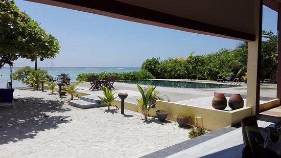 dress code pour plages publiques - Picture of Casa Mia Maldives ...