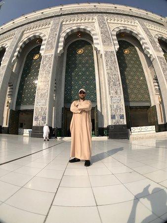 Grand Mosque: اللهم تقبل منا ومن اخواننا اجمعين واصلح احوال المسلمين واجمع كلمتهم على الحق وقيض لهم امراً رشدا
