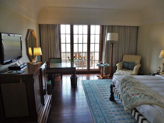 The Oberoi Amarvilas: Premier room with balcony