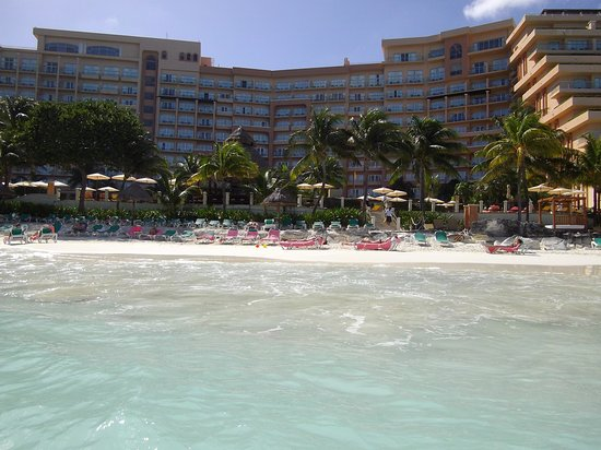 Grand Fiesta Americana Coral Beach Cancun: Beach and hotel view from the sea.