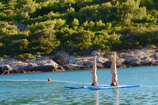 Island of Vis, Kroatia: SUP Yoga at Sunset