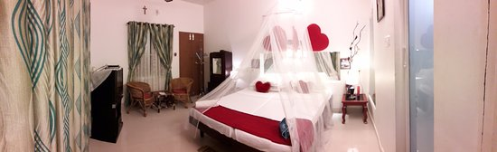 Heavenly Home Stay: super delux balcony double a/c room