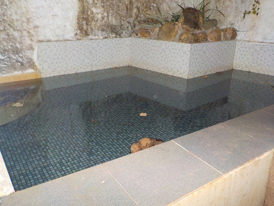 Anjuna, India: the splash pool at night